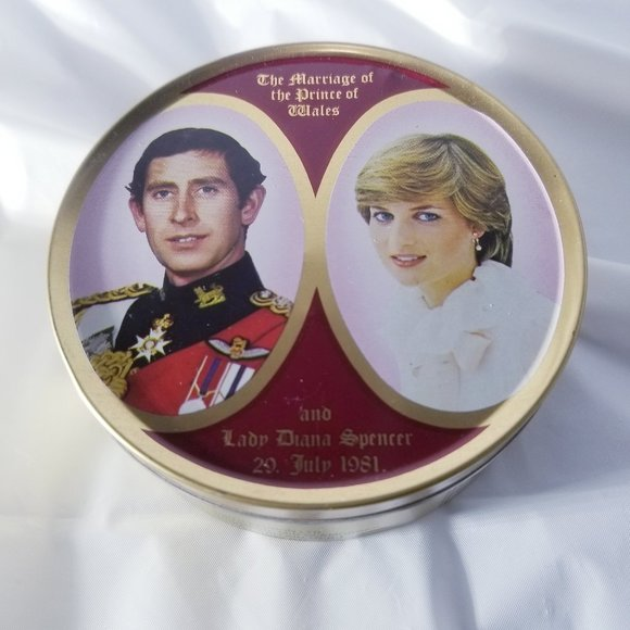 Smith Kendon UK Other - Vintage Candy Tin - Royal Wedding Collection